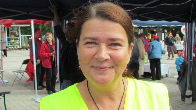 Karakallio-seuran puheenjohtaja ja demariaktiivi Aulikki Pentikäinen.